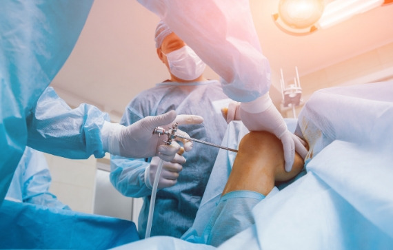 St Louis Knee Replacement Surgeon | Dr Mahesh Bagwe